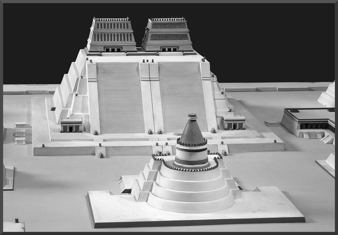 1280px-Rekonstruktion_edited_2_Templo_Mayor-2